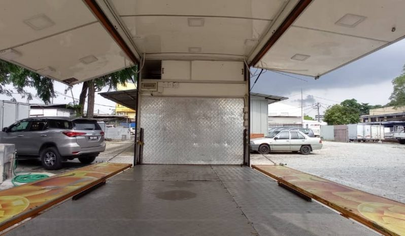 2017 Hino XZU640R Food Truck Low Milleage full